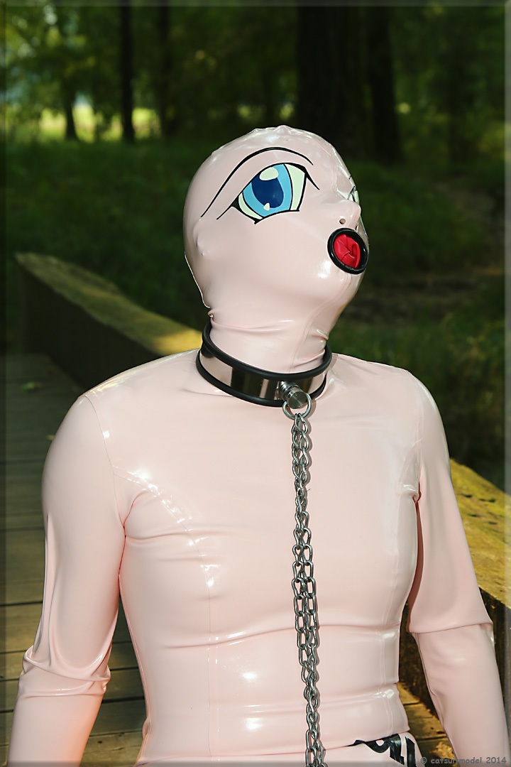 Dollsuit